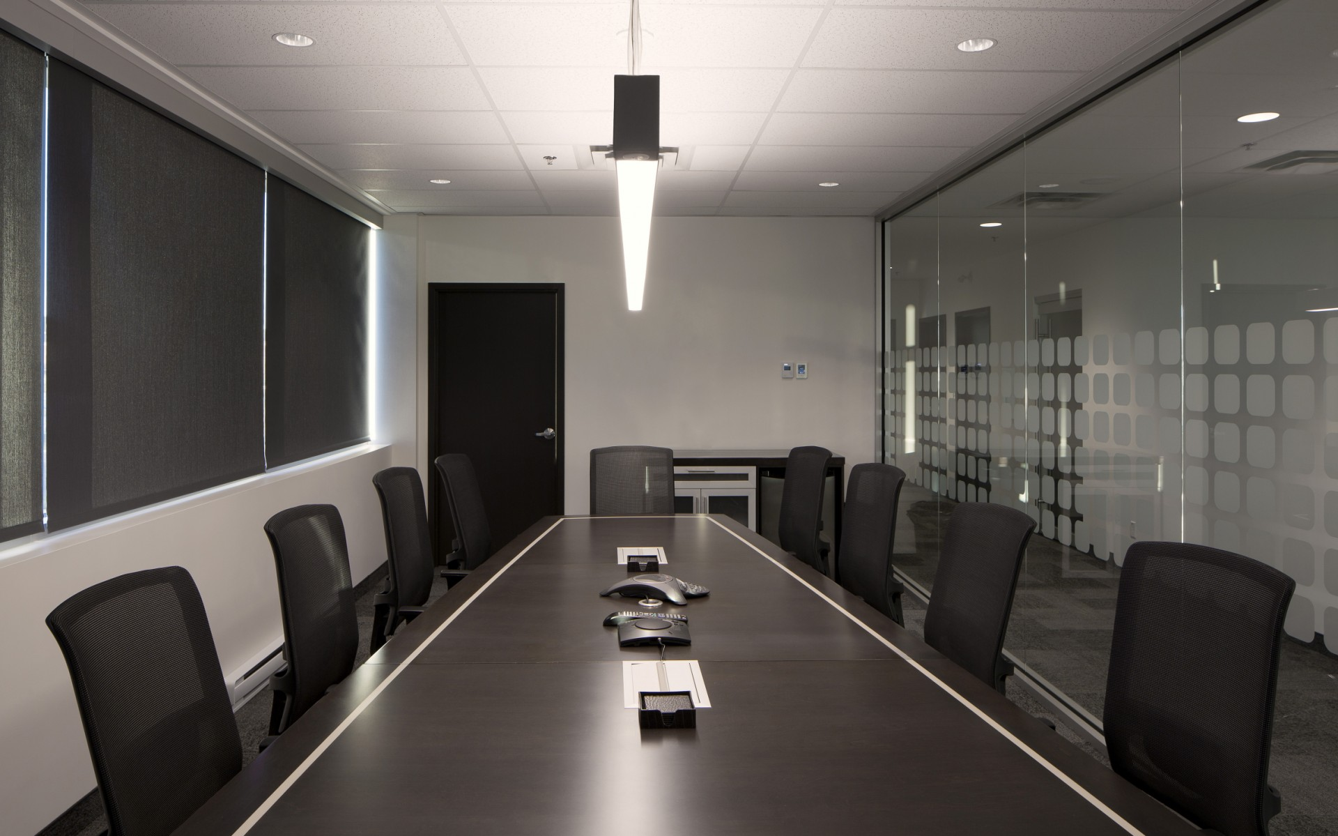 The luminaires can be dimmed to provide the office with a range of lighting options.