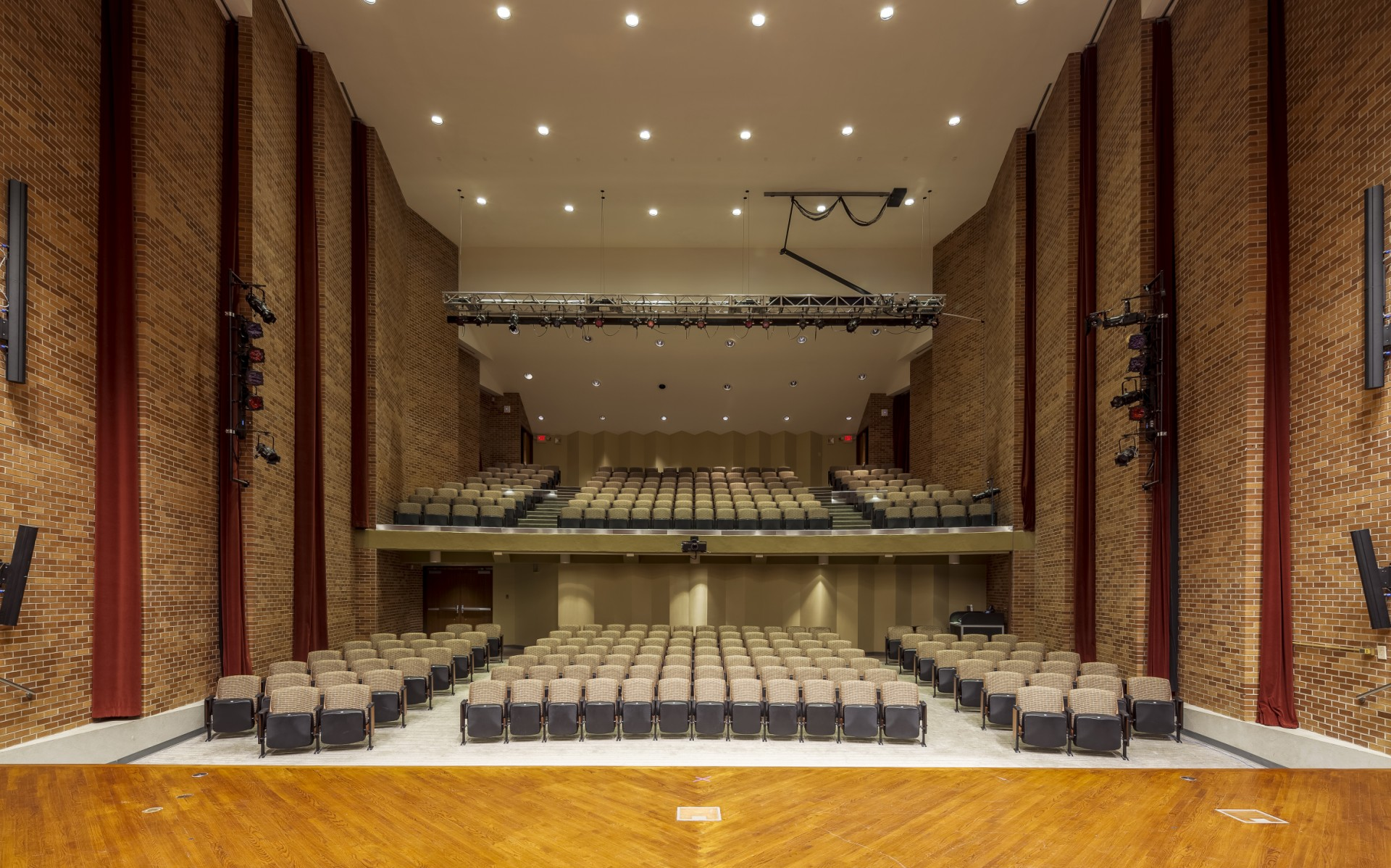 The University of Arkansas at Little Rock wanted to turn the Stella Boyle Smith Concert Hall into a flexible space for music, drama, lectures and more.