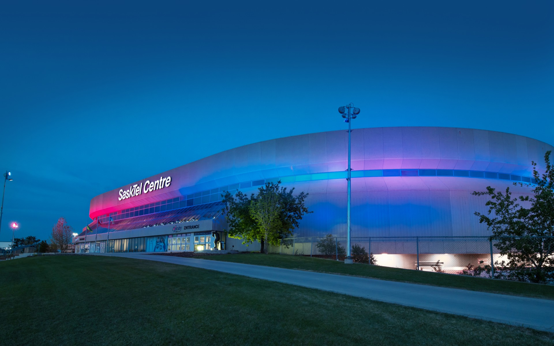 The luminaires, which use a mix of beam angles, are pole-mounted around the perimeter of the arena, at a distance of 50 feet from the facade.