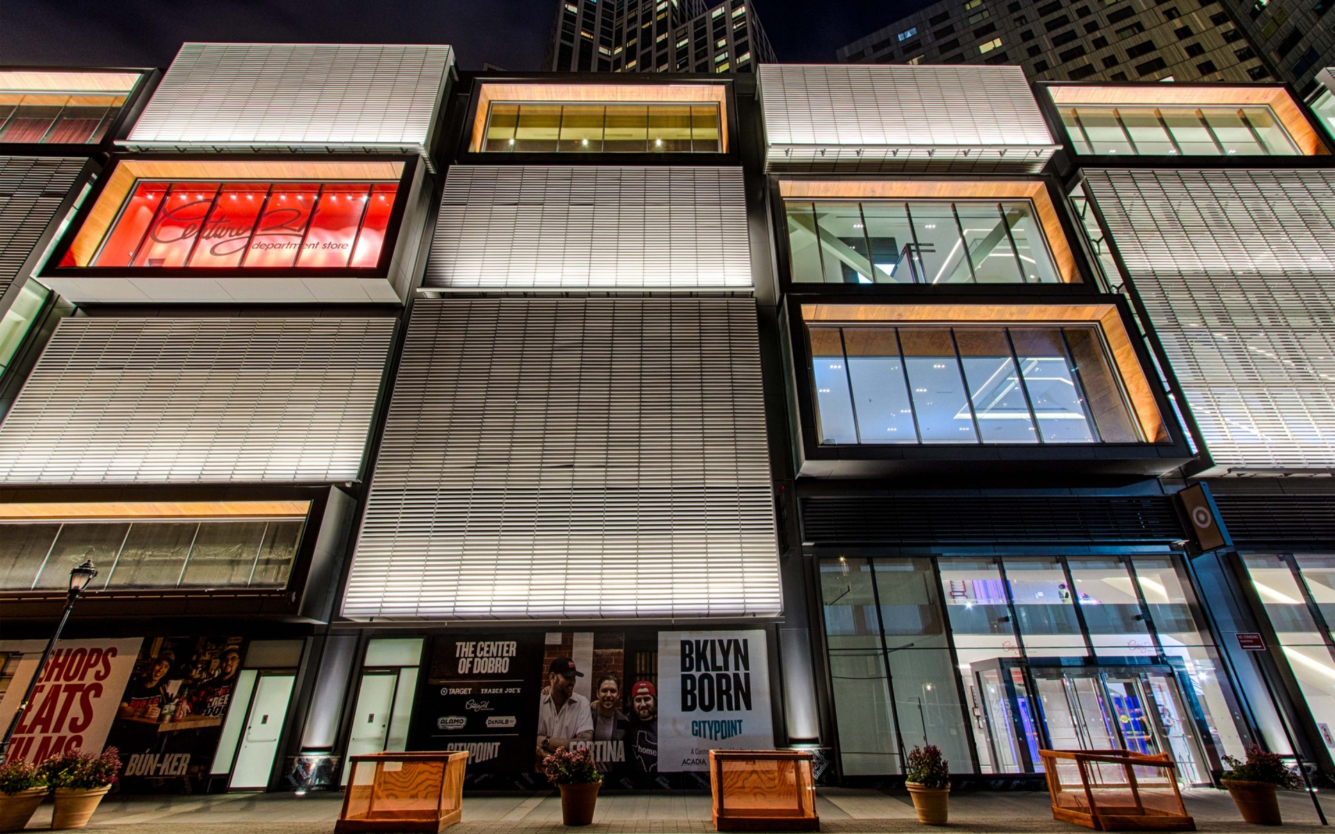 The Lumenfacade luminaires supplied the foot-candle coverage needed on such a tall building while remaining discreetly integrated with the structure. – Ryan Fischer